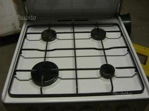 Cucina a gas praticamente nuova