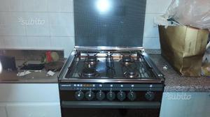 Cucina gas con forno ventilato