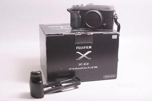Fotocamera digitale mirrorless fuji x-e2 + impugn