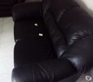 N°2 divani neri in pelle OTTIME condizioni