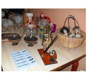 Cerco arredamenti antichi e moderni oggettistica posot class for Oggettistica per casa classica