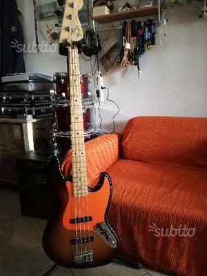 "Basso Elettrico ""Jazz Bass Fender"""