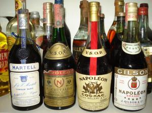 Cerco Vecchie bottiglie liquore Cognac Armagnac Brandy