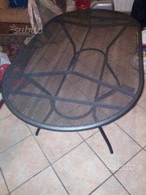 Tavolo da esterno  in ferro
