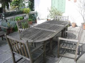 Tavolo e 4 sedie in legno da esterni