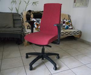 Poltrona ufficio ikea skruvsta bianca usata posot class for Poltrona letto ikea usata