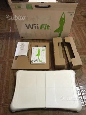 Wii Balance Board + Gioco Wii Fit come nuova