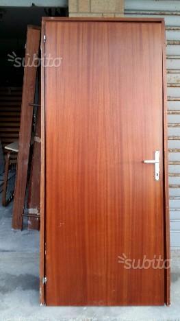 4 Porte in legno Gratis