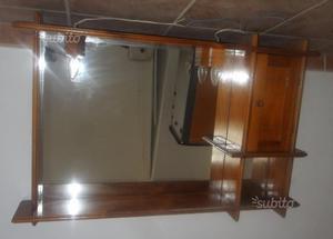 Specchio grande per il bagno con illuminazione posot class for Specchio bagno 70x100