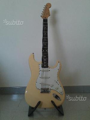 Chitarra Squier by Fender stratocaster Japan