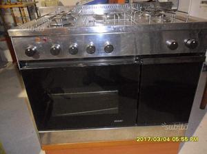 Cucina a gas gpl con piastra e forno elettrici posot class - Forno per cucina componibile ...