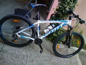 Vendo montembaik Scott m 700Â? tipo di bici mountain bike