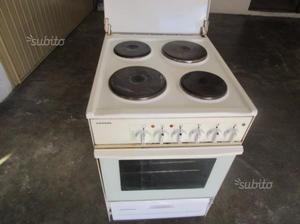 Cucina 4 piastre elettrico con forno