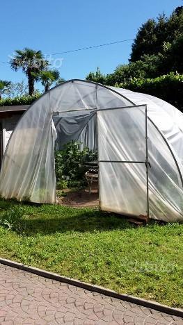 Vendo serra per orto usata posot class for Serra agricola usata