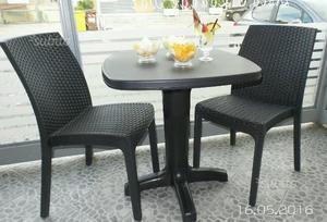 Tavolo rattan posot class for Tavolo sedie esterno