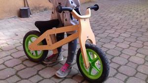 Vendesi bicicletta senza pedali in legno città del sole
