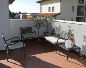 Tavolo da giardino o terrazzo con poltrone posot class for Salotto da terrazzo
