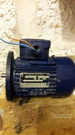 Motore 220 V