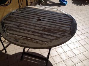 Tavolo rotondo da giardino