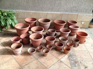 Vasi plastica varie misure posot class for Vasi terracotta usati