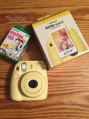 Polaroid FUJIFILM Instax Mini 8 + rullino NUOVA
