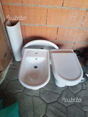 Bagno completo sanitari più rubinetterie