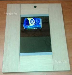 Cornice multifoto a parete posot class for Specchio da parete piccolo
