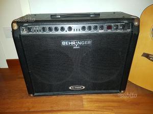 Amplificatore behringer