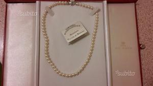 Collana di perle con diamante h color