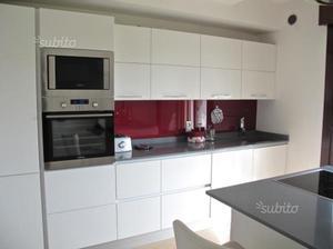 Cucina scavolini top quarzo posot class - Top cucina in quarzo ...