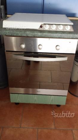 Cucina mobile angoliera stufa forno piano cottura posot class - Forno ventilato whirlpool ...