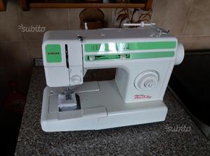 Macchina da cucire singer nuova modello 15m posot class for Macchina da cucire singer da tavolo