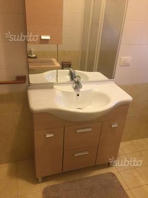 Mobile per arredo bagno lavandino napoli posot class for Vendo mobile bagno