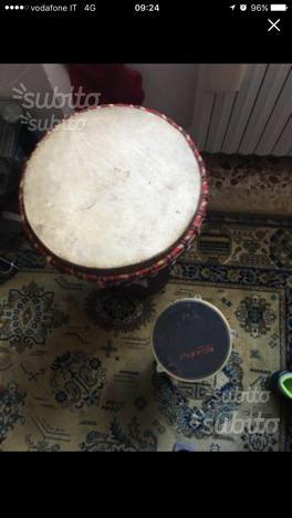 Bongo grande in legno e bongo piccolo ferro