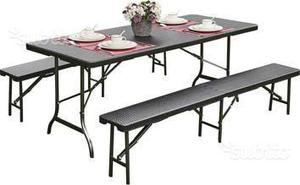 Tavoli con panche richiudibili