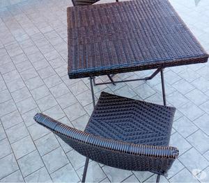 Tavolino ratan con 2 sedie
