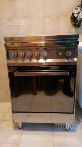 Cucina a gas Hotpoint ARISTON 4 fuochi con forno