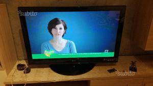 """Tv palsma lg 42"""" 4 anni e mezzo di vita 150euro"""