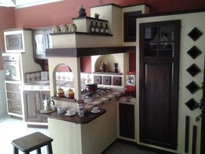 cucina interamente in legno