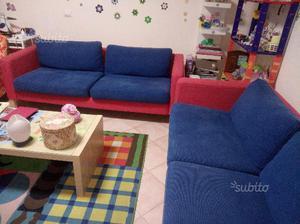 2 divani tre posti ottimi