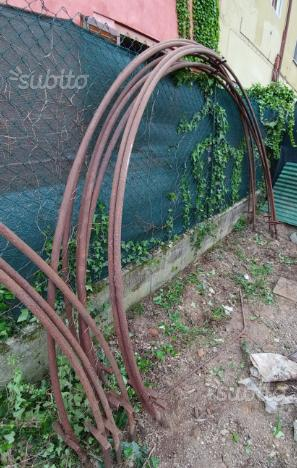 Vendo archi per serra posot class for Archi per serre da orto