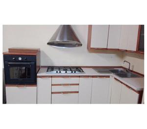 Cucina componibile ad angolo trasporto e montaggio posot class - Montaggio cucina componibile ...