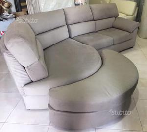 Svendo divano ikea in ecopelle con penisola posot class for Ikea divano penisola