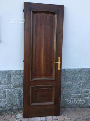 Porte per interni in legno massiccio
