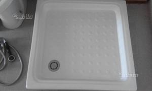Set sanitari bagno: WC, Bidet,Lavabo,Piatto doccia