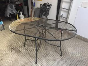 Tavolo con 4 sedie in ferro battuto