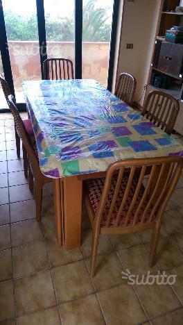 Tavolo da pranzo con 6 sedie