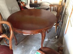 Tavolo tondo e 4 sedie