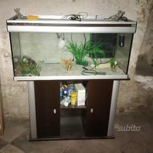 Acquario mobiletto con accessori
