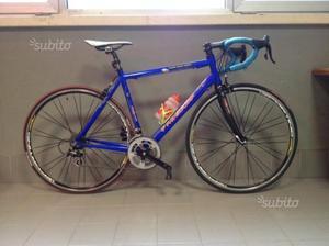 Bici da corsa carbonio alluminio